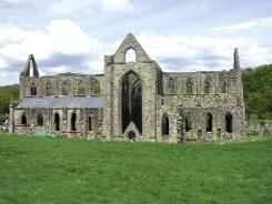 Tintern Abbey in Wales—burial place of Isabel and her mother Aoife. (Jeff Thomas)
