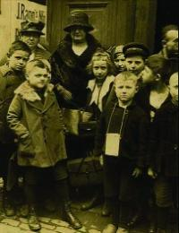 Helen Crawfurd in Germany in 1922. As WIR secretary in 1925 she toured Donegal with fellow Scot and Communist Party of Great Britain (CPGB) member Bob Stewart.
