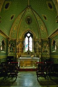 The Lady Chapel, the central of the five chapels, was decorated and furnished by the firm of prolific church architect G.C. Ashlin in 1908–11. He also designed the alabaster altar and reredos. (NIAH