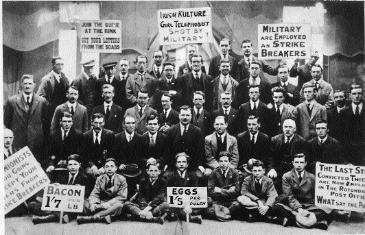 September 1922-striking postal workers pose for the camera. (Irish Labour History Museum)