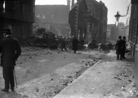 The destruction of the Freeman's premises during the 1916 Rising exacerbated its parlous financial condition. (National Photographic Archive)