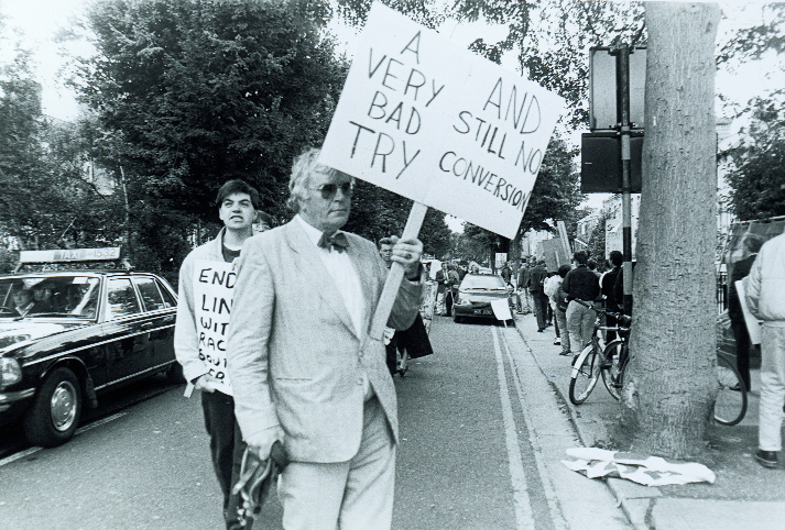 Tiernán MacBride, son of Seán, grandson of Major John, pickets outside the Irish Rugby Football Union's headquarters in September 1989 in protest at plans for a tour of South Africa. Another grandson, South African Robert, was active in the ANC's armed struggle against the apartheid regime, epitomising the intimacy of the Irish/South African relationship. (An Phoblacht)