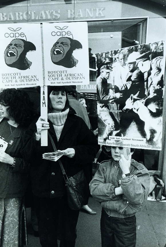 An IAAM picket outside Barclays Bank, Grafton Street, Dublin, in March 1986. While the Irish contribution to the fall of apartheid was hardly decisive, to a considerable degree modern South African democracy is a product of such international solidarity. (An Phoblacht)
