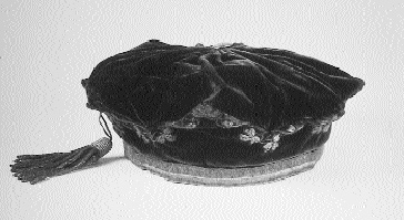The 'Milesian Cap' or 'Cap of Liberty' presented to O'Connell by the artists John Hogan and Henry MacManus at the monster meeting on the rath of Mullaghmast, 1843