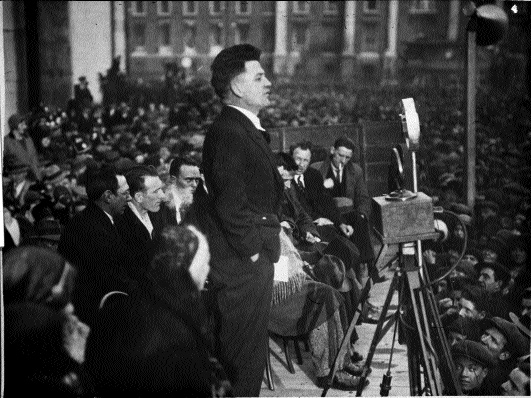 Frank Ryan (here addressing a public meeting in 1932) led the smaller contingent of men who fought for the Spanish Republic. (National Library of Ireland)