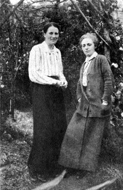 Kathleen Lynn (left) and Madeleine ffrench-Mullen in 1919. (Teach Ultáin Infant Hospital)