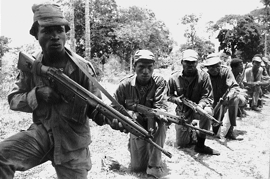 Biafran troops prepare for attack on the Awka front, April 1968. (Holy Ghost Fathers)