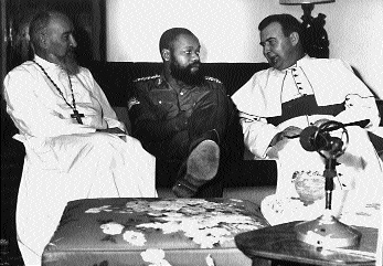 Bishop Conway of Elfin (right) in conversation with Biafran leader Colonel Eni Njoku. (Holy Ghost Fathers)