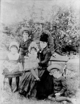James and his second wife, Margaret, with their children (from left to right) Margaret, Willie, Mary Brigid and Patrick. (Pearse Museum)