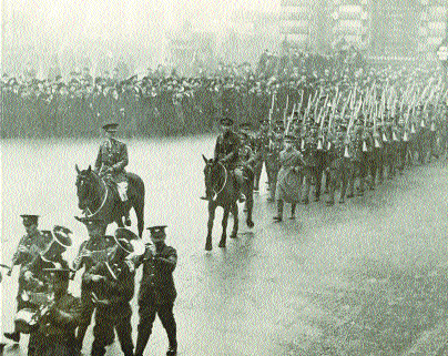 The Jewish Legion marching through London's East End on 2 February 1918. (Jabotinsky Museum)