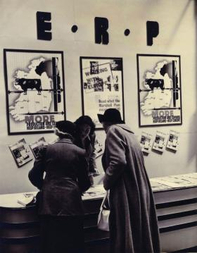 ERP exhibitions such as this were part of a propaganda programme that also used press releases, publications, posters, photographs, radio programmes, newsreel stories and films. (National Archives of Ireland)