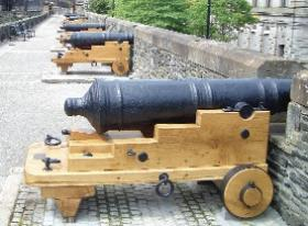 Fully restored cannon on appropriate block carriages on Derry city walls in 2005. (Guildhall Press)