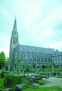 St Patrick's Collegiate Chapel, Maynooth—on 24 February 1879 the Ward Union Hunt, accompanied by Elizabeth, chased a stag into the building, then under construction. (NIAH)