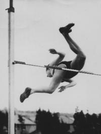 Thelma Hopkins's world-record high jump at the Cherryvale sports grounds, Queen's University, Belfast, in May 1956. Women had been running and jumping in public from as early as the 1890s. (Seán and Maeve Kyle)