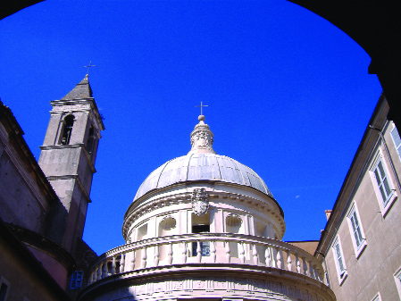Pl. 2: Bramante's Tempietto (1502) in the cloister garth of San Pietro in Montorio.