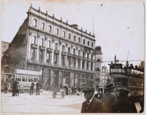 The shell of the Imperial Hotel on 16 May 1916, after the Rising, with the empty flagpole to the right of the building clearly visible. (RIA)