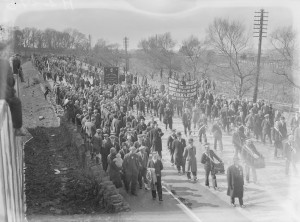 'Faithful Waterford mourns the loss of their beloved and gallant member, Captain W.A. Redmond. God rest his soul'—the funeral of John Redmond's son in 1932. The large crowd belied the fact that by then Redmondite commemorations had lost momentum. (NLI)