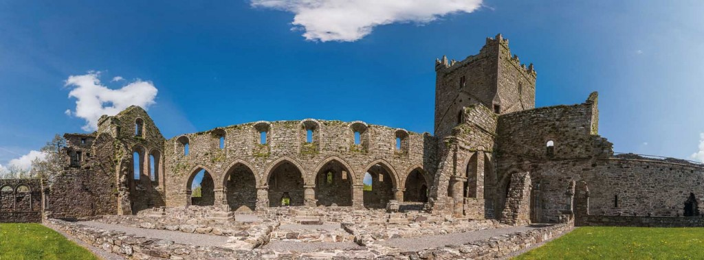 Panoramic view of Jerpoint Abbey, Thomastown. King Richard himself was probably lodged within these walls from 20 to 22 October 1394. (© Johannes Rössel)