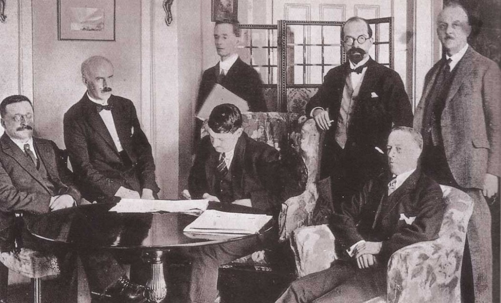 The Irish plenipotentiaries at the Treaty negotiations in London, late 1921, including (right) John Chartres and (to his right) George Gavan Duffy, soon to be the provisional government's first minister for external affairs. Duffy felt that Berlin was 'likely to become very rapidly the most active centre in Europe of international ambition'. (George Morrison)