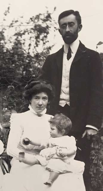 James Connor (1879–1916) and his wife, Eleonore, with their daughter Bertha, c. 1910. (Alan Winter))